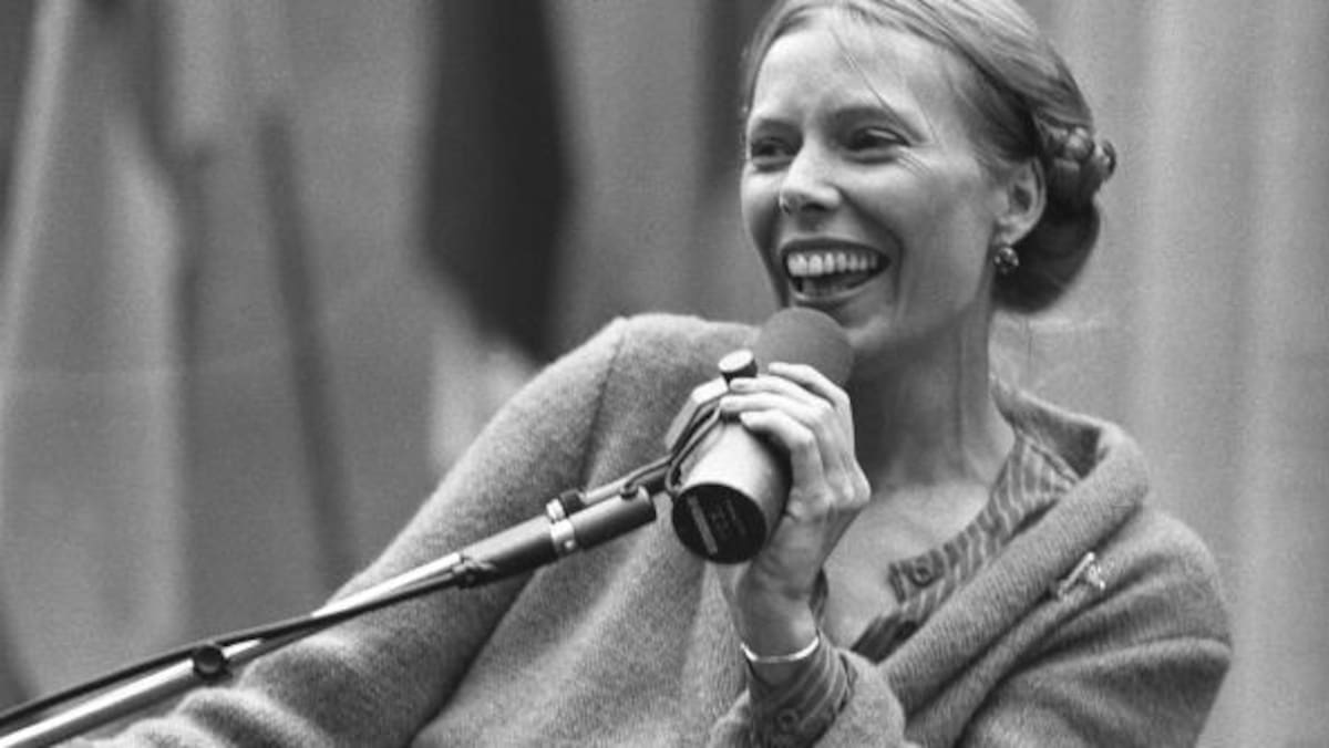 Top 40 Joni Mitchell Songs